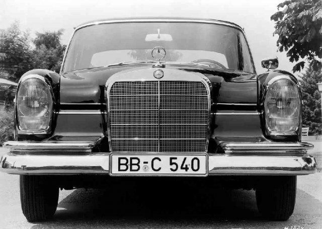Mercedes S класа W111