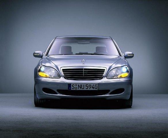 Mercedes S класа W220